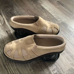 Z coil spring shoes women's 7